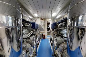 116' Azimut 116ft  Azimut 2006/2015 2006 Engine Room
