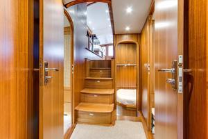 61' Sunny Briggs  2015 Companionway