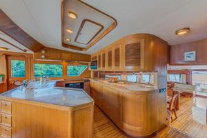78' Marlow 2006/2017 78E Marlow Luxury Yacht 78ft 2006 Galley