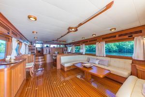 78' Marlow 2006/2017 78E Marlow Luxury Yacht 78ft 2006 Main Salon
