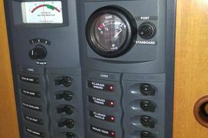 47' Nautitech 47 2004 Eletrical panel