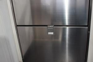 51' Leopard 51 Pc 2014 Fridge & Freezer View (1)