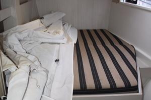 51' Leopard 51 PC 2014 Starboard Forward Cabin View (2)
