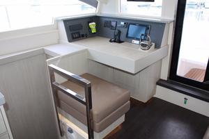 51' Leopard 51 PC 2014 Navigation Station (3)