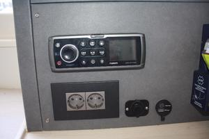 51' Leopard 51 Pc 2014 Navigation Station View (1)