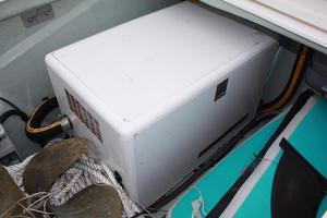 51' Leopard 51 PC 2014 Generator View