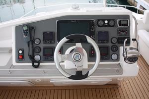 51' Leopard 51 Pc 2014 Fly-bridge Helm Station View (1)