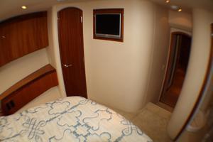 80' Hatteras 80 Motor Yacht 2005 Bow Staterrom