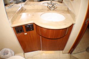 80' Hatteras 80 Motor Yacht 2005 Starboard Head