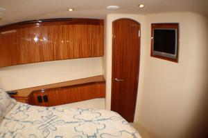 80' Hatteras 80 Motor Yacht 2005 Bow Stateroom