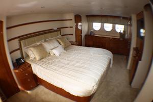 80' Hatteras 80 Motor Yacht 2005 Master Stateroom