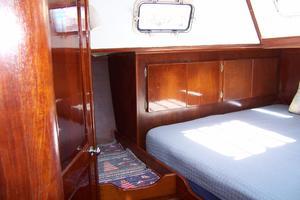 50' Gulfstar Center Cockpit Sloop 1977 50 Gulfstar CC Aft MasterCabin 2