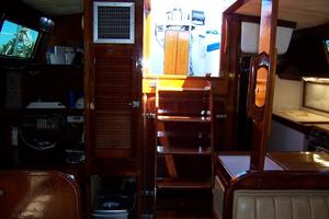 50' Gulfstar Center Cockpit Sloop 1977 50 Gulfstar CC Entry Stairs