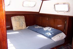 50' Gulfstar Center Cockpit Sloop 1977 50 Gulfstar CC Aft MasterCabin 3