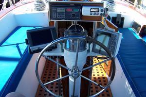 50' Gulfstar Center Cockpit Sloop 1977 50 Gulfstar CC Helm