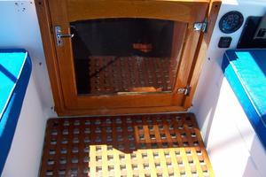 50' Gulfstar Center Cockpit Sloop 1977 50 Gulfstar CC Companionway Door