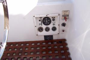 50' Gulfstar Center Cockpit Sloop 1977 50 Gulfstar CC Engine Guages