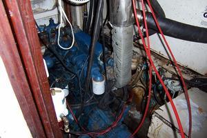 50' Gulfstar Center Cockpit Sloop 1977 50 Gulfstar CC Engine Room