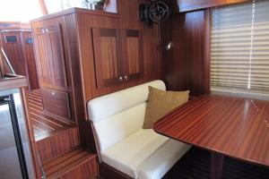 48' American Tug 485 2015 Wonderful Dinette