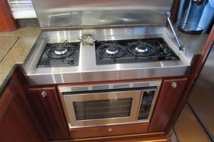48' American Tug 485 2015 3 Burner Propane Cooktop