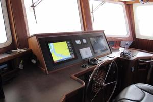 48' American Tug 485 2015 Fantastic Garmin Touch Screen Electronics