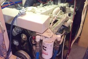 52' Bluewater Yachts millennium 2001 Starboard Engine under galley counter