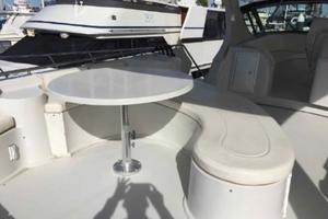 52' Bluewater Yachts millennium 2001 Guest table