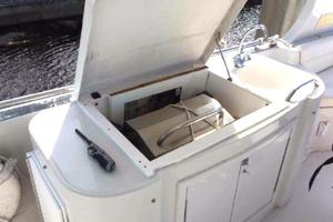 52' Bluewater Yachts Millennium 2001 BBQ