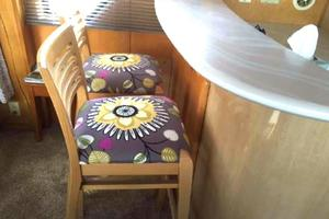 52' Bluewater Yachts millennium 2001 Galley seating