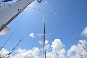 60' Shannon 53 HPS 60 Motorsailor 2010 Mast