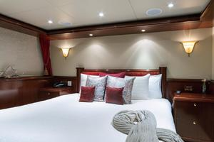 143' Van Mill 1988/2017 143ft Tri Deck Motoryacht 1988 Guest VIP Stateroom
