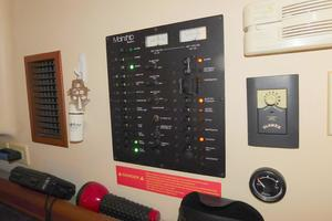 34' Mainship Pilot 2008 Electrical panel  with generator controls