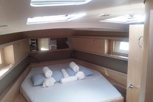 45' Beneteau Oceanis 45 2017 Owner cabin
