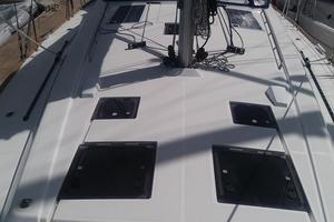 45' Beneteau Oceanis 45 2017 Deck looking aft