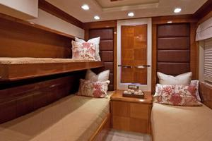 85' Azimut 85 2007 Guest Stateroom