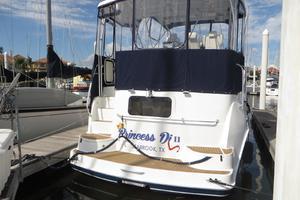 37' Mainship 37 Motor Yacht 1995