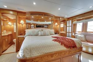 76' Offshore Yachts 76' Motoryacht 2007 Master cabin