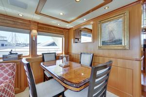 76' Offshore Yachts 76' Motoryacht 2007 Dining