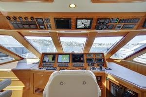 76' Offshore Yachts 76' Motoryacht 2007 Helm