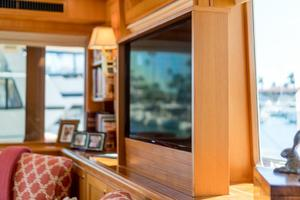 76' Offshore Yachts 76' Motoryacht 2007 LED HD Pop up TV