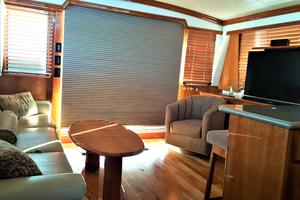 55' Navigator 55 Pilothouse 2012 Salon Aft
