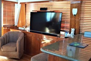 55' Navigator 55 Pilothouse 2012 Port Salon