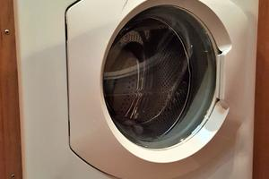 55' Navigator 55 Pilothouse 2012 Splendidie Clothes Washing Machine