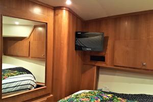 55' Navigator 55 Pilothouse 2012 VIP Stateroom