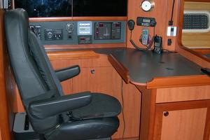 49' Hunter 49 2007 Comfortable chart table chair
