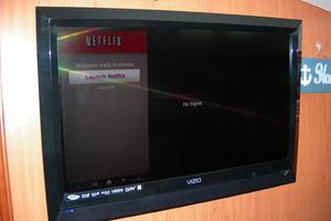 49' Hunter 49 2007 TV with Netflix