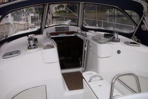 49' Hunter 49 2007 Dodger and companionway