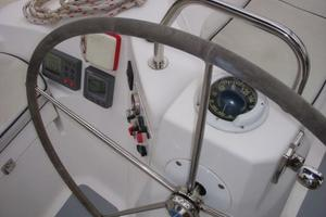 49' Hunter 49 2007 Port helm and shifter