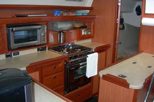 49' Hunter 49 2007 Large, safe galley