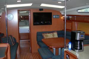 49' Hunter 49 2007 Mainsalon